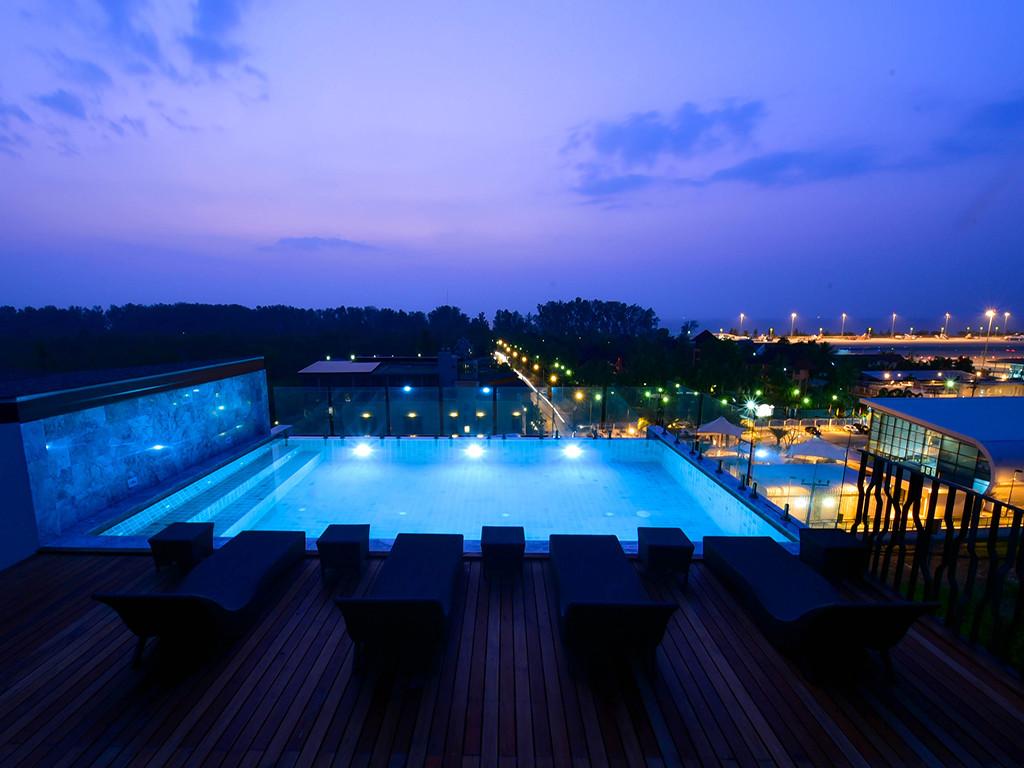 Swimming-Pool2-1024x768